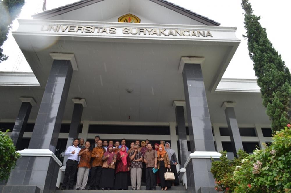 Study Banding Universitas subang dalam rangka penyatuan Akper Pemerintahan Subang dengan Universitas Subang