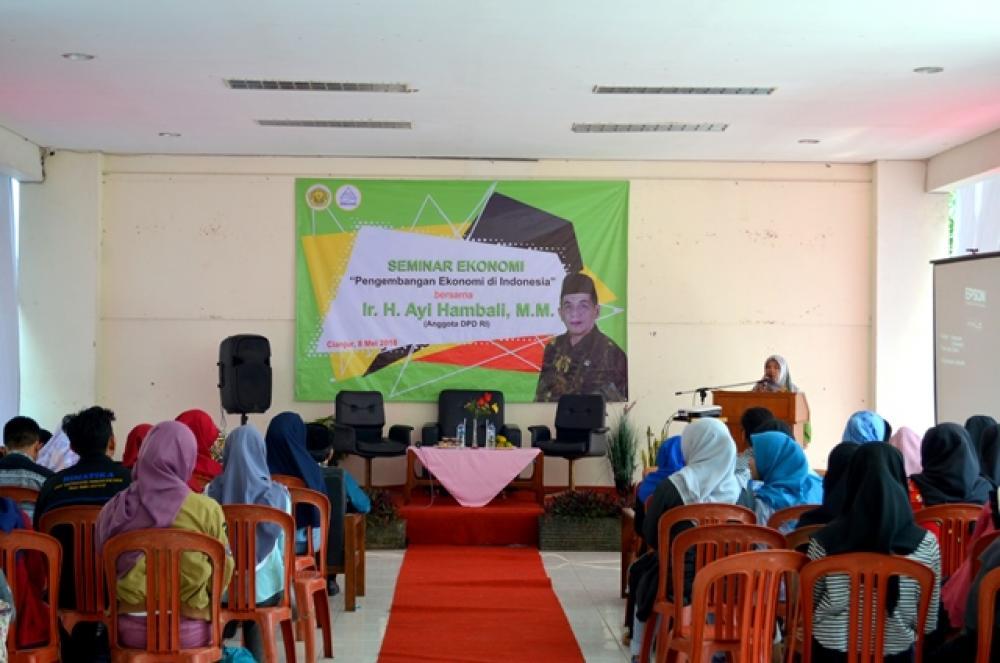 """Seminar Ekonomi  """"Pengembangan Ekonomi di Indonesia"""""""