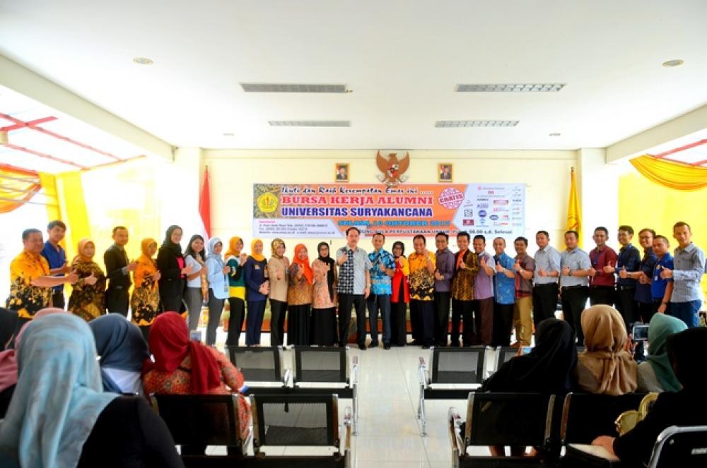 Pembukaan Bursa Kerja Alumni Universitas Suryakancana