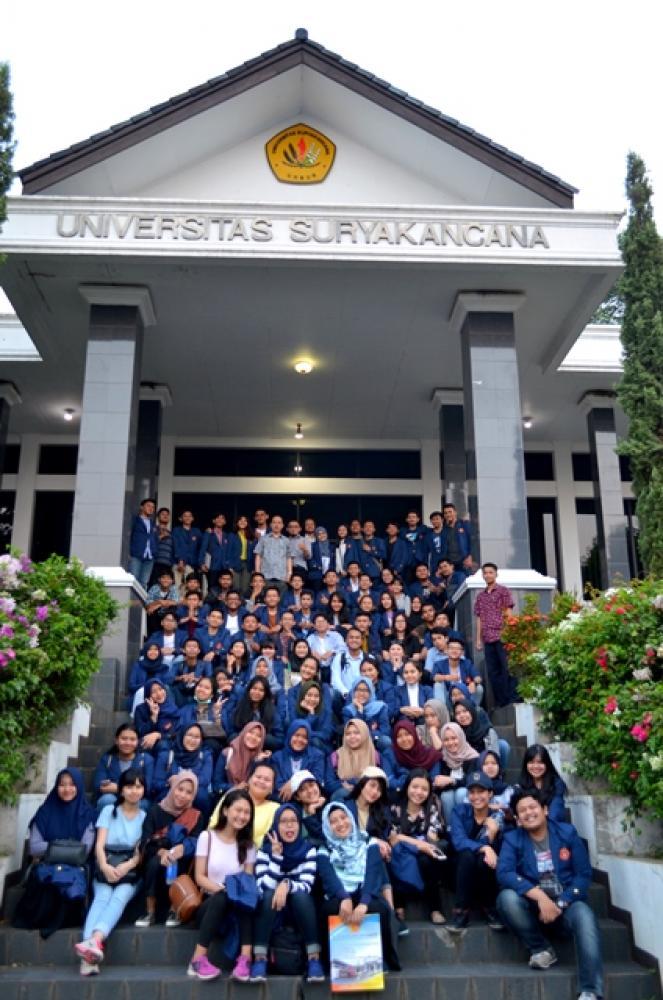 Study Tour dan Study Kampus Mahasiswa Sekolah Tinggi Hukum Bandung (STHB)