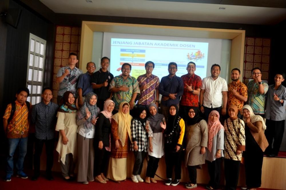 Workshop Penulisan Karya Ilmiah Bagi Dosen  Penilaian Angka Kredit Kenaikan PangkatJabatan Akademik Dosen