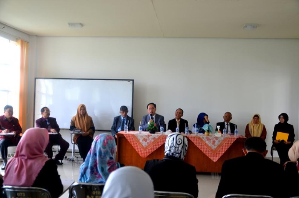 Pembukaan Ujian Sidang Skripsi Program S2 Pendidikan Sastra dan Bahasa Indonesia